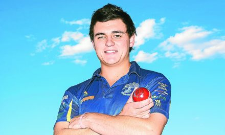All-rounder Thomson now a Swallow