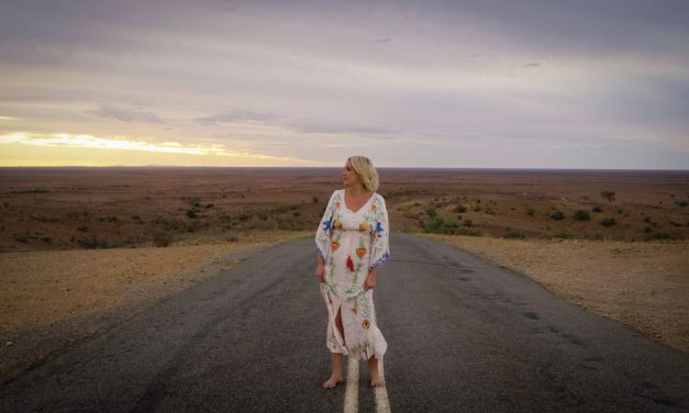 Award-winning singer to perform in Coomie for one night only
