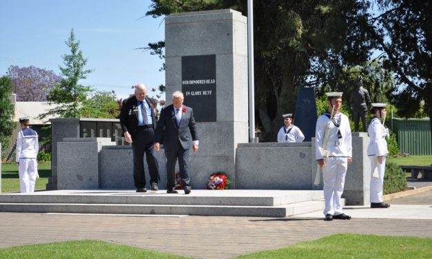 Hundreds turn out for Remembrance Day commemorations